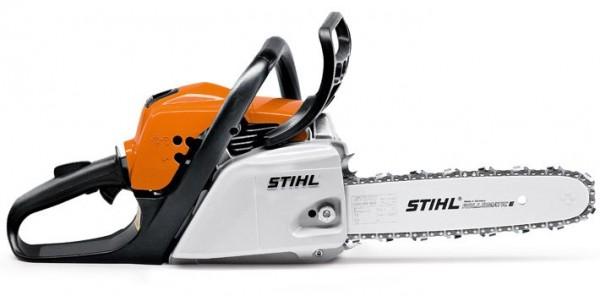 STIHL moderne + handliche Benzinmotorsäge MS 211 mit Leistung 2,3PS, 30 - 35 cm Schienenlänge